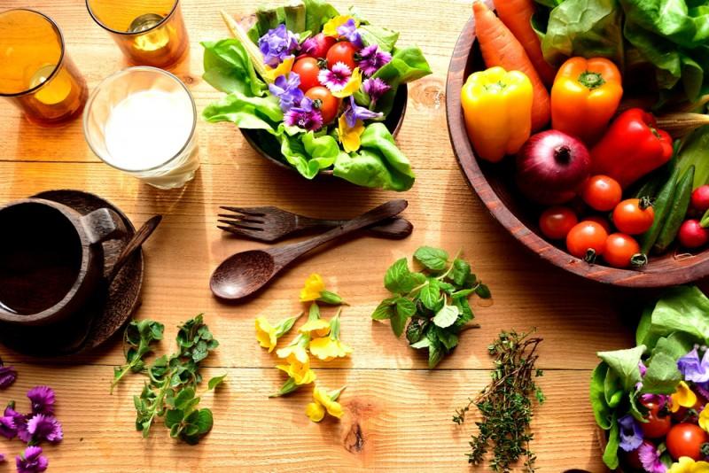 Les fleurs comestibles : 1001 façons d'en tirer parti