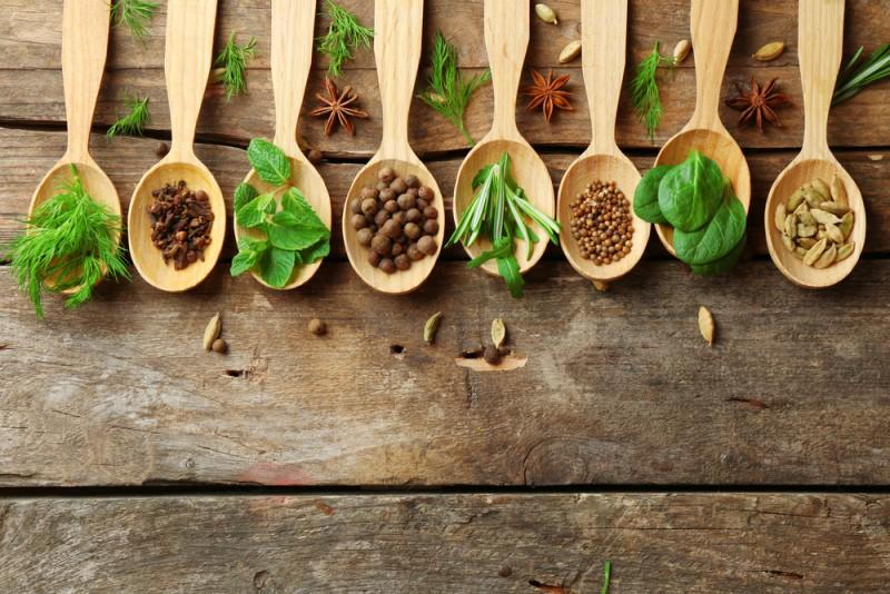 Un petit récapitulatif des aromates et leur utilisation, ça vous intéresse ?