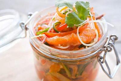 carpaccio de saumon mariné à l'aneth et au citron