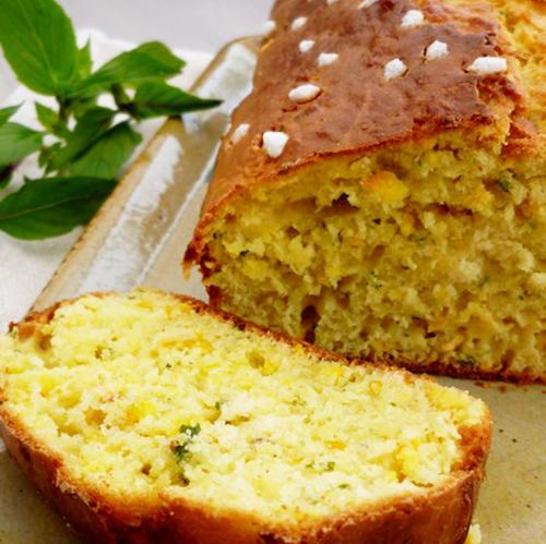 dessert cake sucré à l'orange et au basilic cannelle