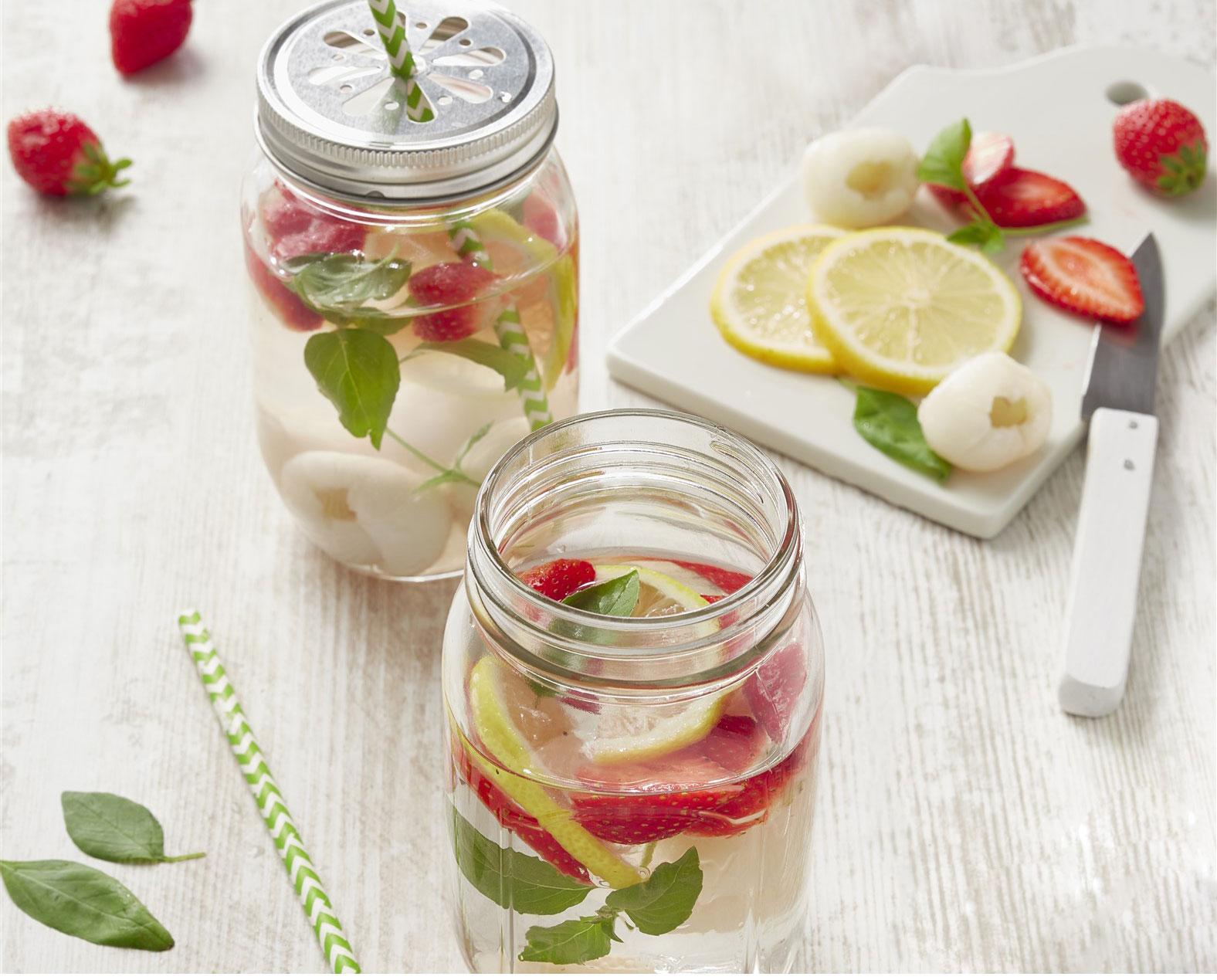 Eau aromatisée fraises menthe citron framboises
